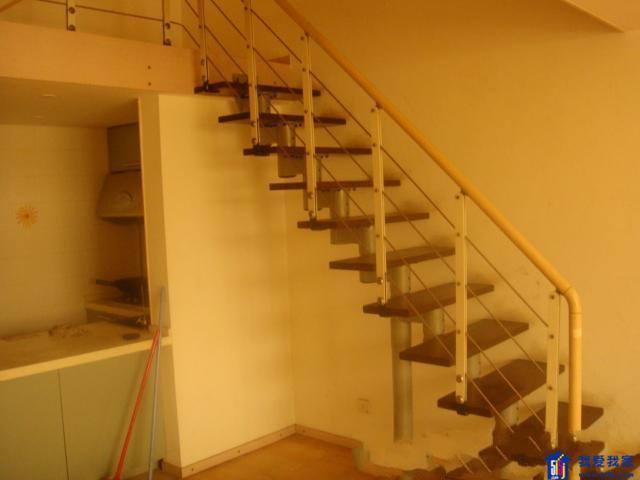 瑞金路解放南路 挑高单身公寓 一层面积可做二层实用