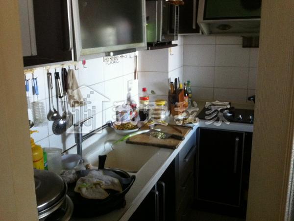 幼儿园麦当劳手工制作厨房
