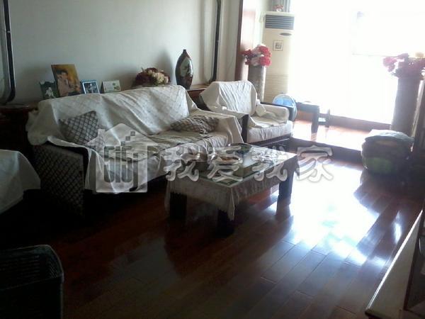 森淼公寓 私产过5年 精装修 户型超好3室 南北通透采光好!