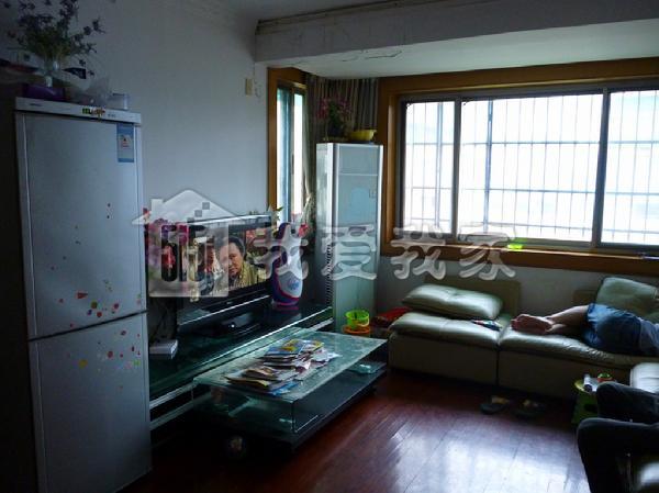 大关东四苑东边套,全明三房,客厅有大窗户,无双税