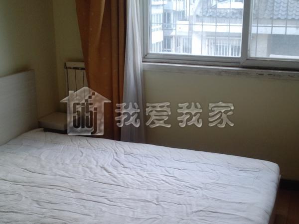 跃层复式单身公寓