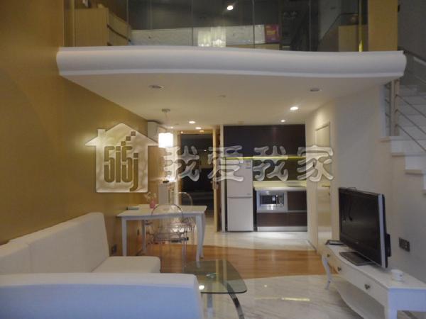 滨江最高档豪华单身公寓,全新配置.