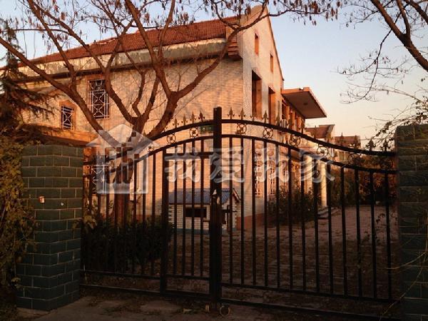 欧式别墅院墙外观