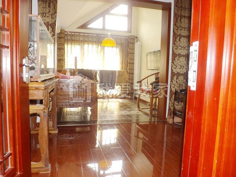 金隅山墅 精装 客厅面宽7米 采光好无遮挡 带车位