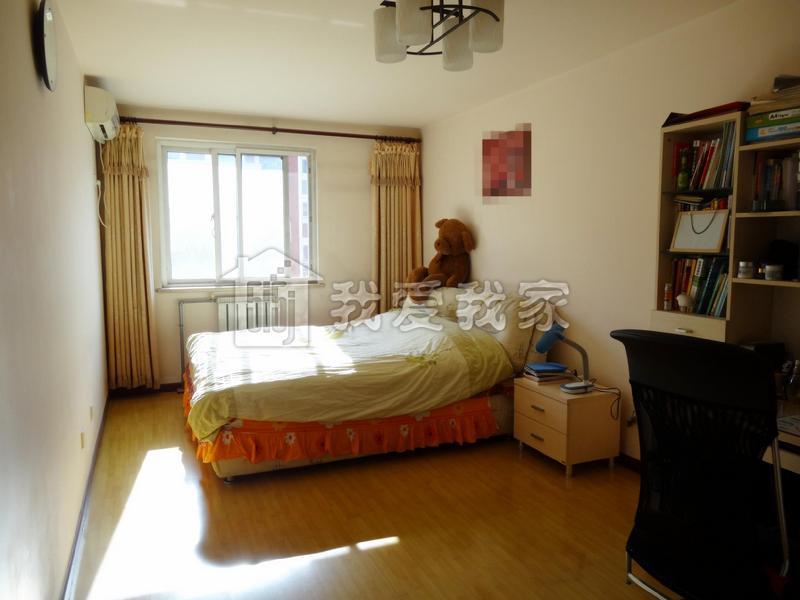 卧室和客厅连在一起图片
