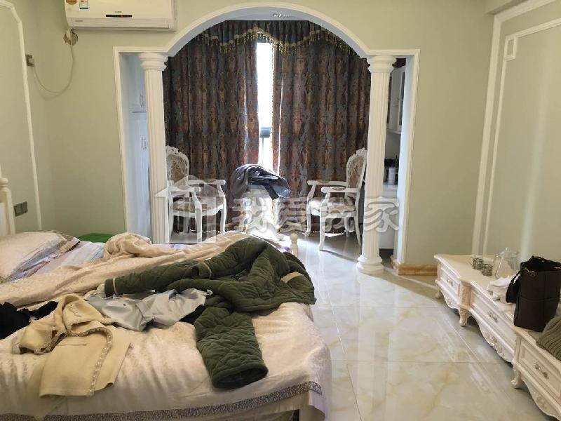 欧式两层客厅