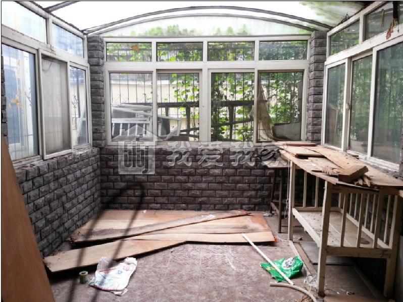 一楼带小院有围墙设计效果图分享展示