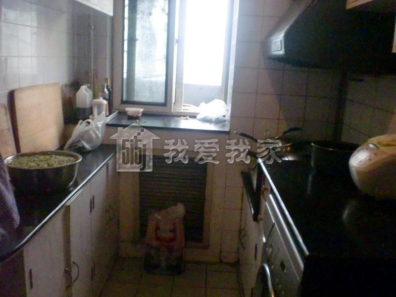 客厅厨房窗户朝北