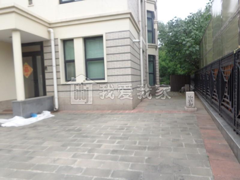 亦庄地铁站附近 一栋洋房 精装双拼别墅