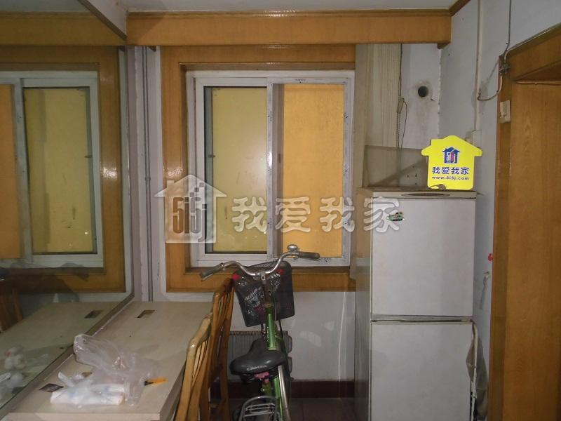 新源西里中街2室1厅59平米245万