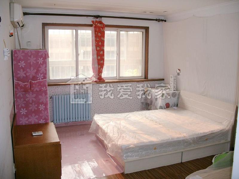详见户型图 2,屋内介绍;房子精装修,木地板白墙,但是绝对干净,照片是