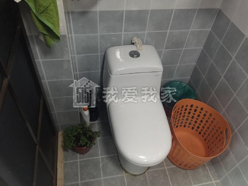 小区 马桶排气管