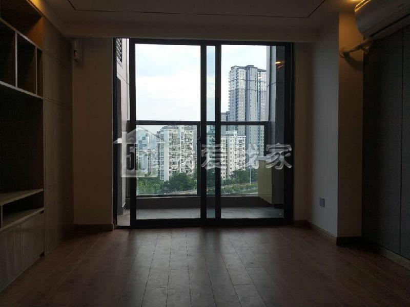 精致两房两卫 开发商精装修 LOFT结构带阳台