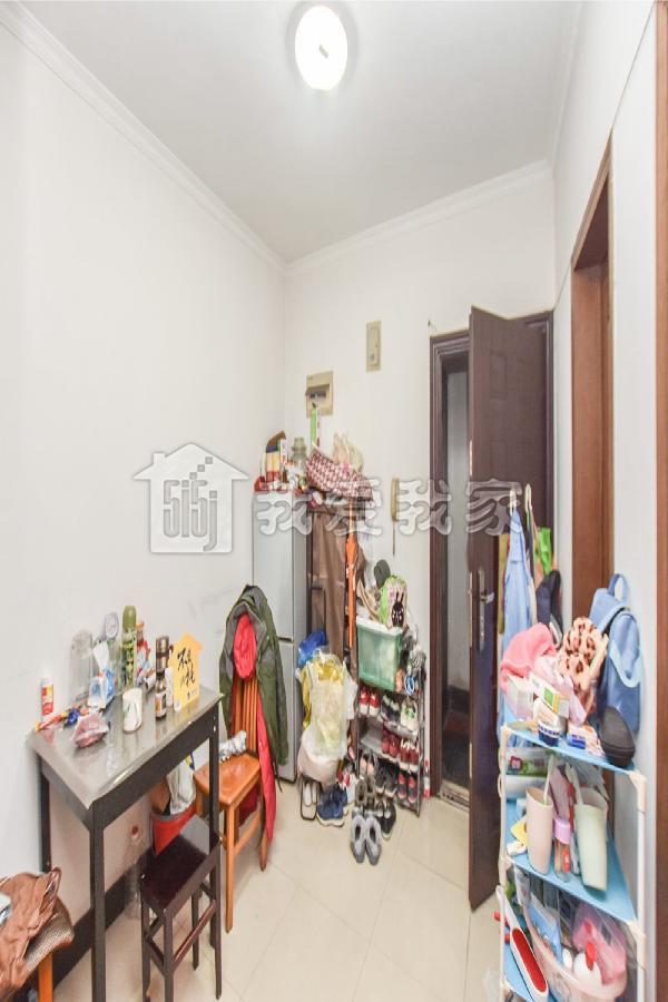 庆隆苑,中间楼层,申花版块,房龄新,靠近城西银泰。