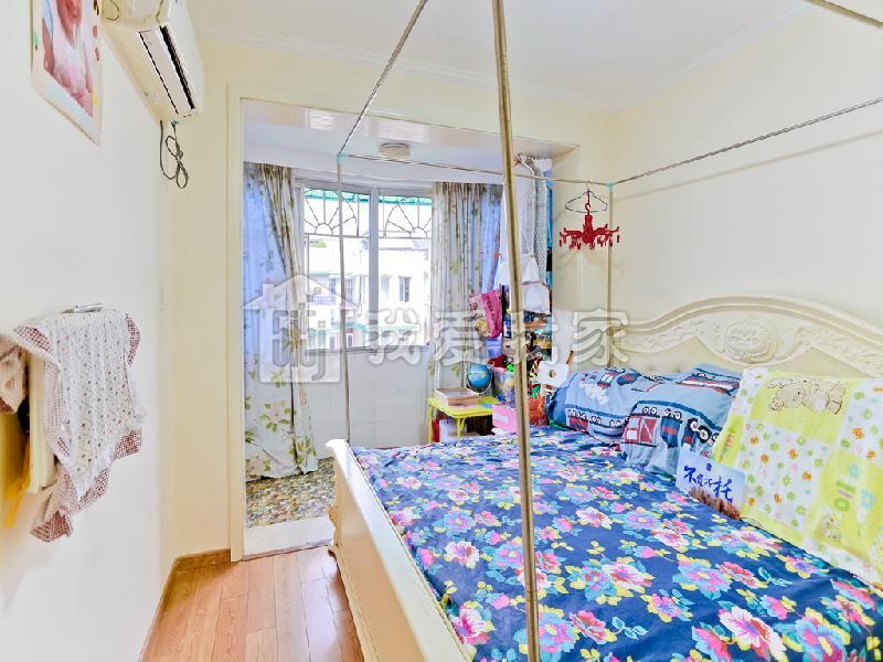 三里亭苑二区 精致小两房,户型正气,满五,随时看房