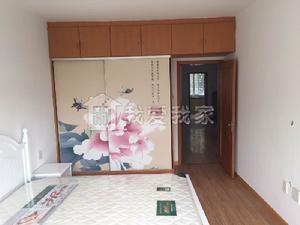 促销:两室两厅,超大房间,空间足,适合一家人住