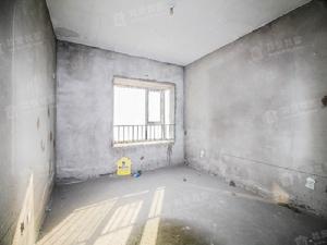 新兰路天朗美域一期三室二厅二卫,看房方便