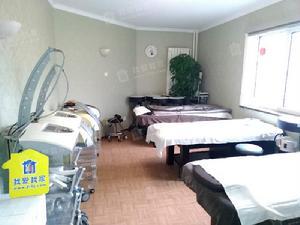 金宸公寓三室二厅二卫