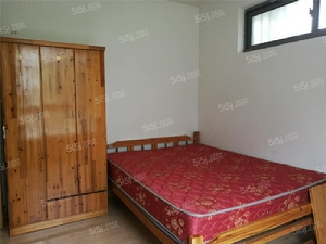 仙林诚品城,南邮旁,精装三房,相寓可月付,设施齐全,干净整洁