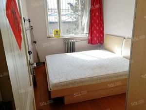 青云北区带客厅两居室 南北通透 家具家电齐全 随时看房
